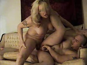 Fat blonde TS likes to anal fucking with cute guys