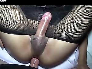 Shemale babe in stockings gets anal